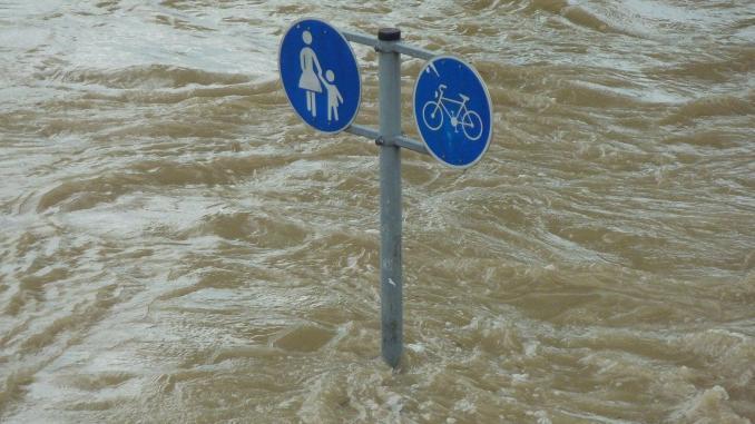 Symbolbild: Überschwemmte Straße